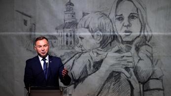 Lengyel elnök: 80 éve romba dőlt a normális világ