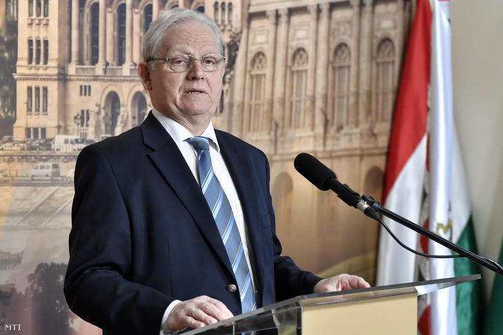 Tarlós István főpolgármester sajtótájékoztatót tart a Városházán 2019. április 4-én