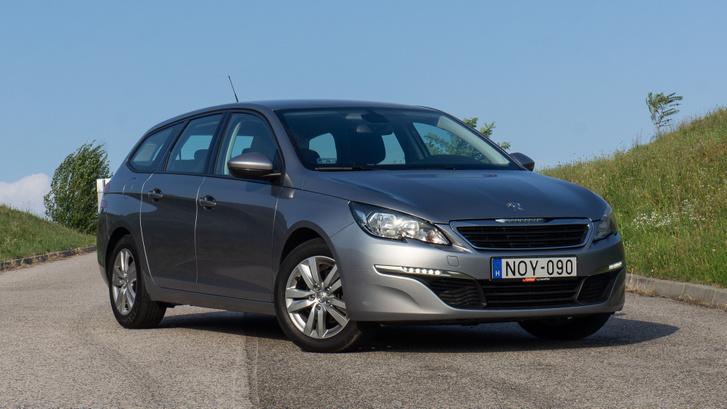 Nem csak unalmas, de mára el is öregedett a forma – rég mondtunk ilyet Peugeot-ra