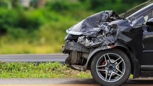 15 métert repítette a kocsi L. L. Junior kisfiát, egy 76 éves sofőr ütötte el