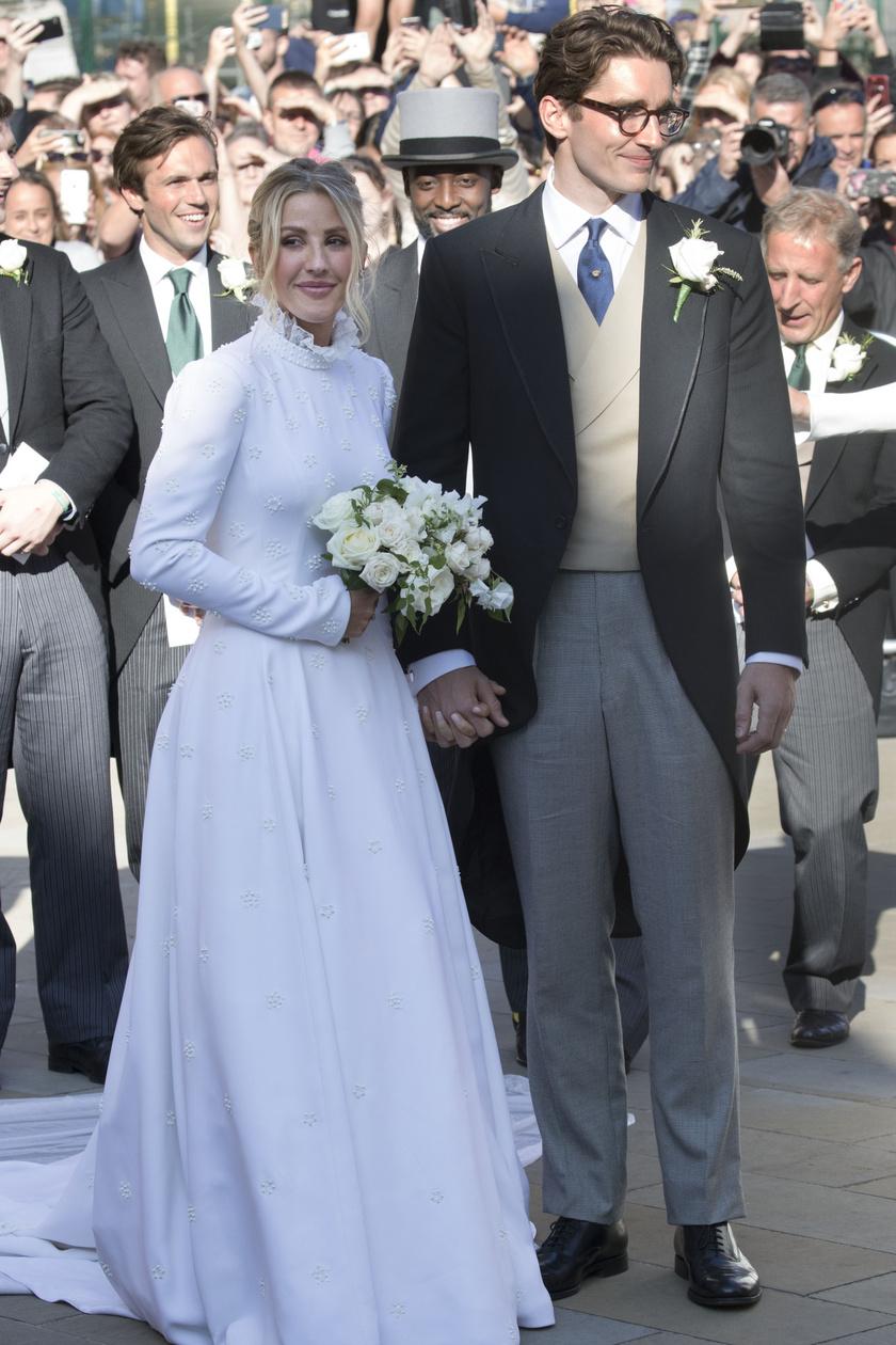 Ellie Goulding igazán gyönyörű volt ebben a visszafogott esküvői ruhában szerelme, Caspar Jopling oldalán.