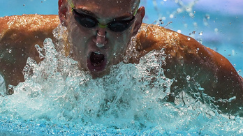 Cseh nem Hosszú, hanem Tusup csapatában úszik