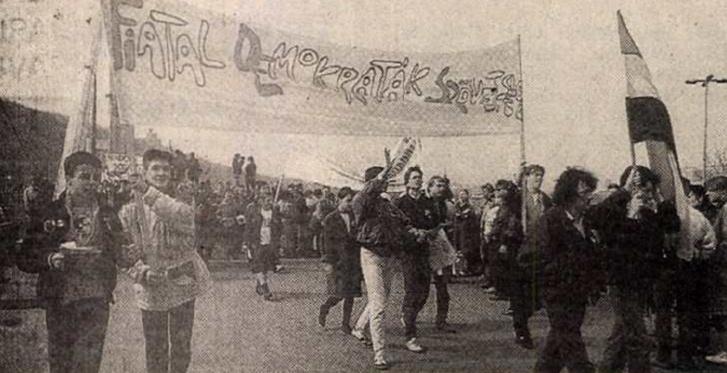 Tüntetés 1989. március 16-én. Forrás: Magyarország 1989. október 13. / Arcanum adatbázis