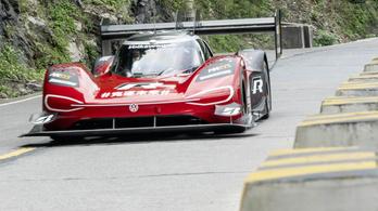 Nem fejleszt több benzines versenyautót a VW