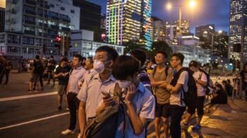Internet nélküli, blokkolhatatlan programon csetelnek a hongkongi tüntetők