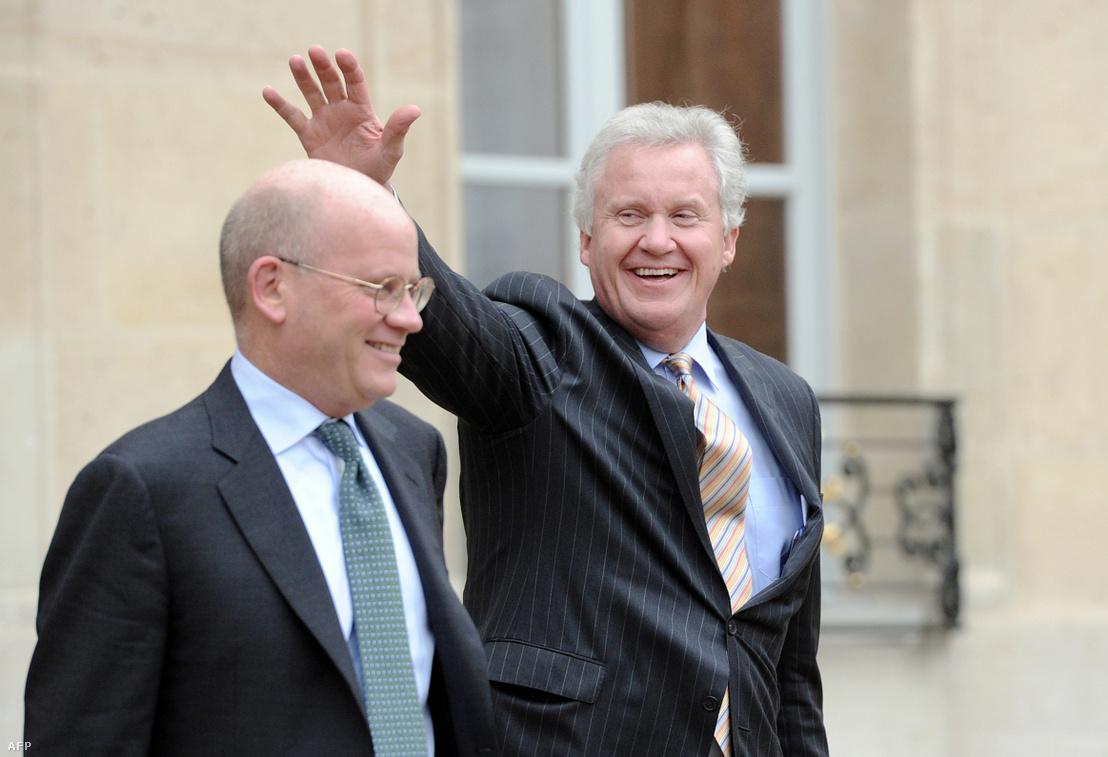 Jeffrey Immelt (jobbra) és John Flannery hagyják el a párizsi Élysée Palace-t, miután találkoztak a francia elnökkel 2014-ben