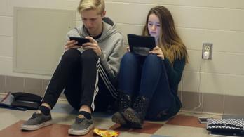 Nyugtató iskolakezdéshez: így érdemes kezelni a mobilozást