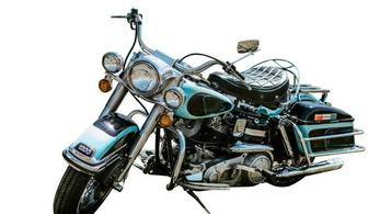 Minden idők harmadik legdrágább motorja lett Elvis Harley-ja
