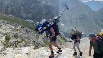 Egy brit katona otthagyott egy kondigépet a Mont Blanc-on