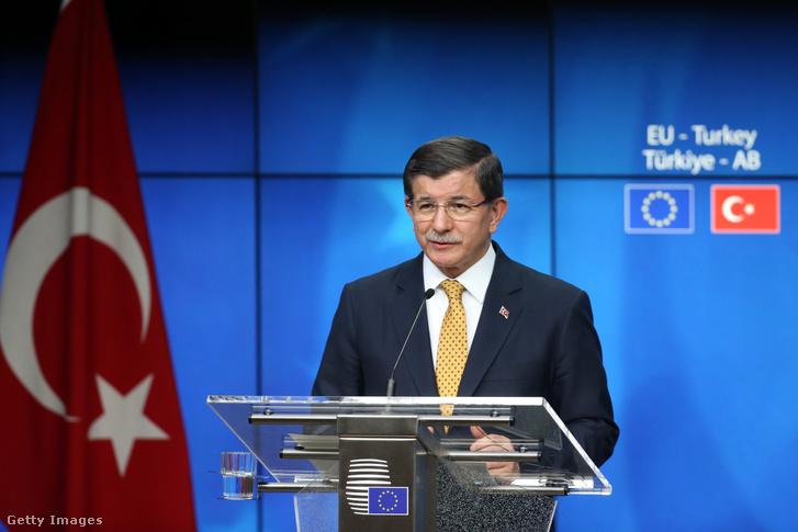 Ahmet Davutoglu EU-csúcstalálkozón, 2016. március 18-án, Brüsszelben