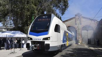 Újabb emeletes vonatok vételére szerződött a MÁV