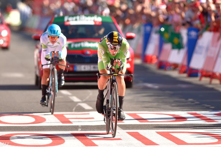 Primoz Roglic a Vuelta a Espana időfutamán megelőzte a két perccel előtte induló Miguel Ángel Lópezt