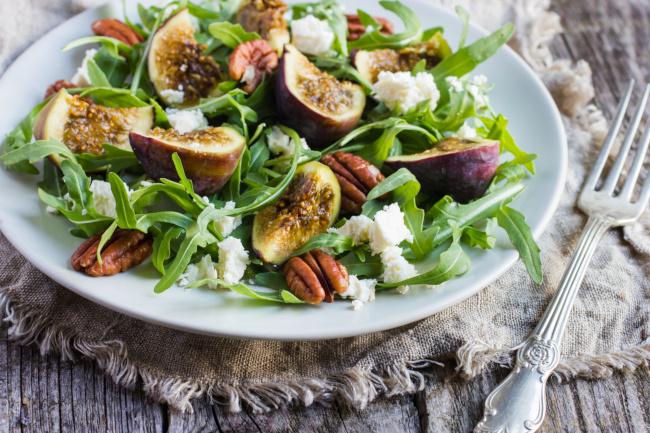 ruccola saláta fügével recept