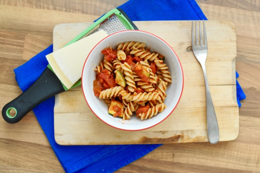 Nyáridéző olasz tészta cukkinivel és paradicsommal - Ha már most hiányzik