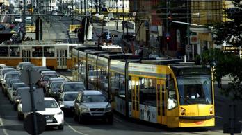 Alig támogatja a kormány a budapesti közösségi közlekedést