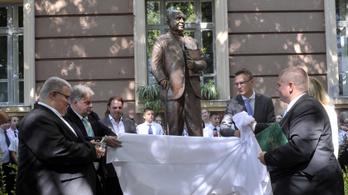 A Mazsihisz szomorú az antiszemita politikus szoboravatása miatt