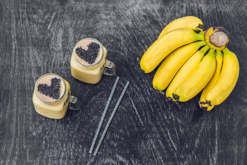 Az étcsoki vagy a cukrozatlan kakaópor zöldségekkel és gyümölcsökkel fogyasztva is nagyon egészséges. Turmixolj össze egy banánt, pár nyers spenótlevelet, 2 evőkanál kakaóport, egy kanál chiamagot és egy csésze mandulatejet. Zsírégető, anyagcserét gyorsító italt kapsz.