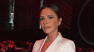 Csontsovány modellel reklámozza kollekcióját Victoria Beckham, beszóltak neki miatta