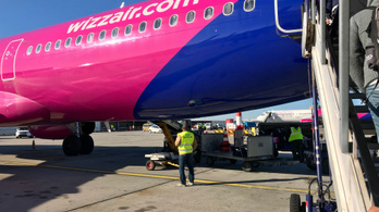 Nem dobja a Wizz Air az utasokat átverő partnerét