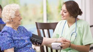 Nemcsak az orvosi szaktudás, de a törődés és a figyelem is életeket menthet