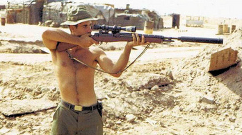 Fehér Toll, a vietnámi háború legendás mesterlövésze