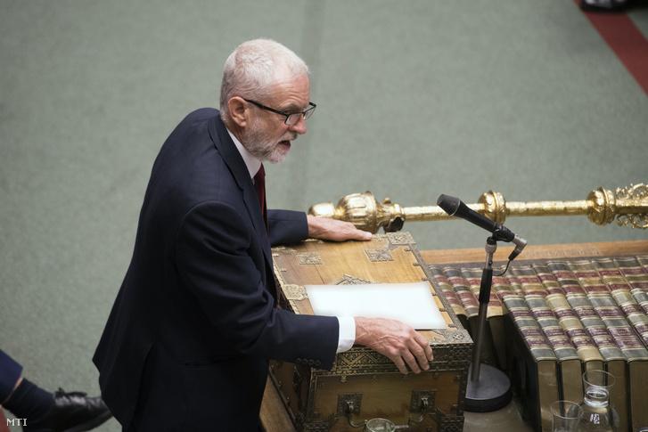 Jeremy Corbyn az ellenzéki brit Munkáspárt vezetõje