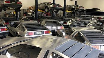 Egy helyre kuckóztak Florida DeLorean-jei a hurrikán elől