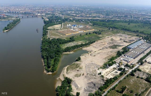 A Budapesti Központi Szennyvíztisztító Telep a Csepel-sziget északi részén.
