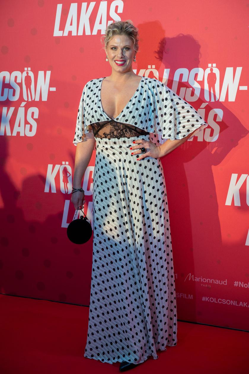 A Kölcsönlakás című film szereplőjeként részt vett a vígjáték díszbemutatóján 2019 februárjában.