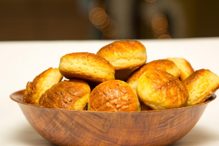 Sajtos, túrós pogácsa gluténmentesen: nem szárad ki másnapra sem