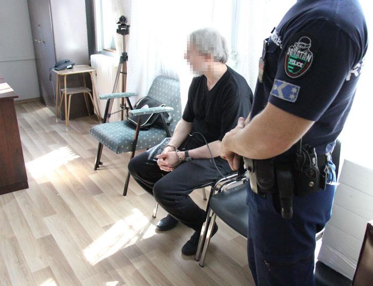 A Nyíregyházi Törvényszék emberölés bűntett elkövetésének gyanúja miatt elrendelt európai elfogatóparancsa alapján adta át a román hatóság a Szabolcs-Szatmár-Bereg Megyei Rendőr-főkapitányság munkatársainak S. D. román állampolgárt 2019. szeptember 5-én