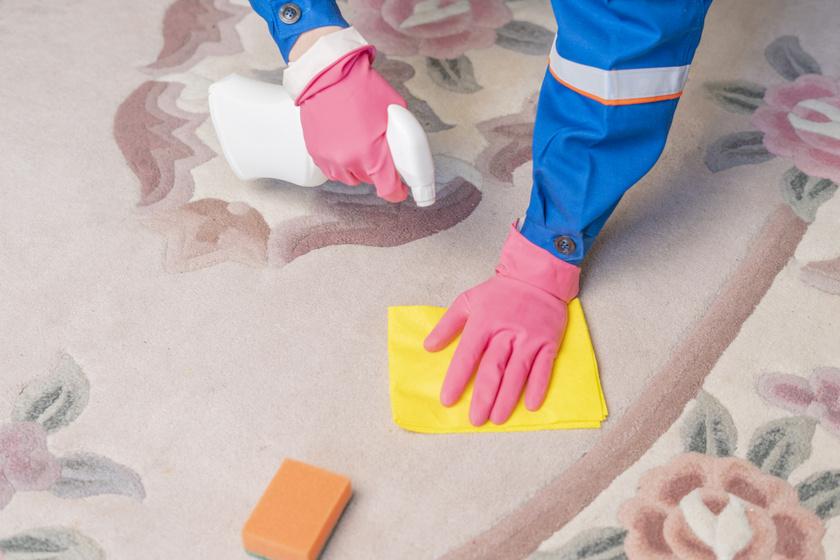 A legkényesebb szőnyegből is kiszedik a foltot: házi módszerek, de nagyon is működnek