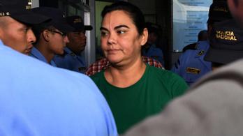 Ötvennyolc év börtönre ítélték a volt hondurasi elnök feleségét
