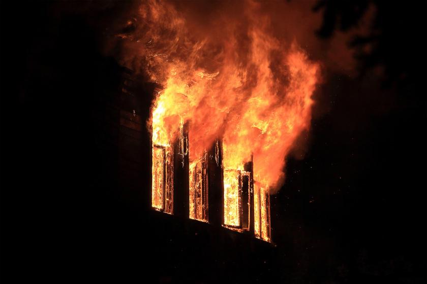 Halálos is lehet, ha így reagálsz a lakástűzre: 3 dolog, amit semmiképpen ne csinálj