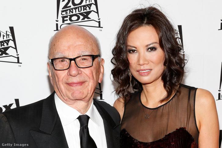 Elképesztő az áldozatok száma is, akár az átvertekről, akár a megszemélyesítettekről van szó, 2018 óta minden egyes új cikk új neveket sorol fel, és újabb hajmeresztő esetekről ír. És nemcsak a filmiparban tevékenykedik, idén februárban a Vice arról írt, hogy Instagram-influenszereket hálóztak be hasonló módszerekkel, csak éppen Rupert Murdoch feleségétől, Wendi Murdochtól érkezett a levél egy lehetséges együttműködésről.