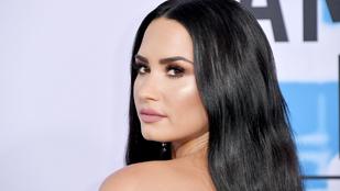 Demi Lovato megmutatta retus nélküli, narancsbőrös fenekét