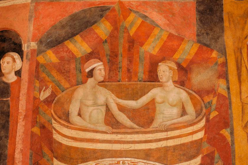 Fürdőző férfi és nő egy középkori, olaszországi festményről.