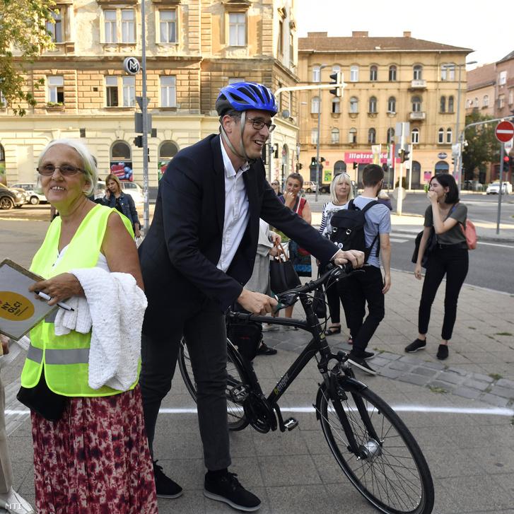 Karácsony Gergely ellenzéki fõpolgármester-jelölt a Pikó András józsefvárosi ellenzéki polgármesterjelölttel közösen tartott kampányrendezvényen a VIII. kerületi II. János Pál pápa téren 2019. szeptember 4-én.
