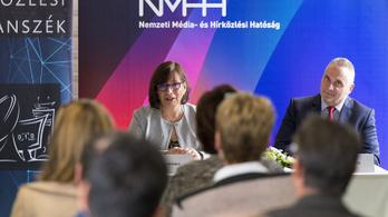 Nem enged ellenzéki tagokat a Médiatanácsba a Fidesz, ősszel módosítják a Médiatörvényt