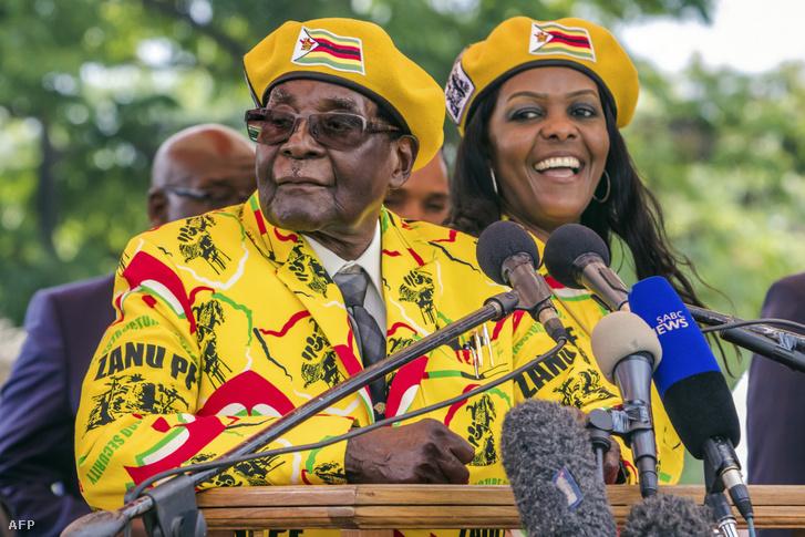 Robert és Grace Mugabe 2017 novemberében, amikor Grace megpróbálta elfogadtatni magát férje utódaként. A kísérlet végül az elnök bukásához vezetett.