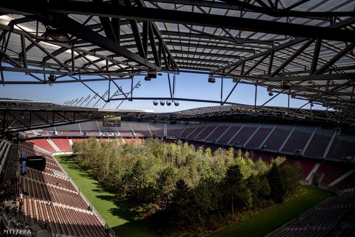 A fákkal beültetett klagenfurti Wörthersee stadion 2019. szeptember 5-én