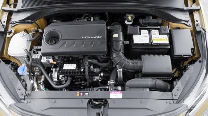 242 Nm nyomaték - pont, mint egy jó kis 2,5 literes szívó :DD