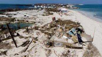 Több ezren menekülnek a Bahamák letarolt szigeteiről, Kanadát is elérte a Dorian