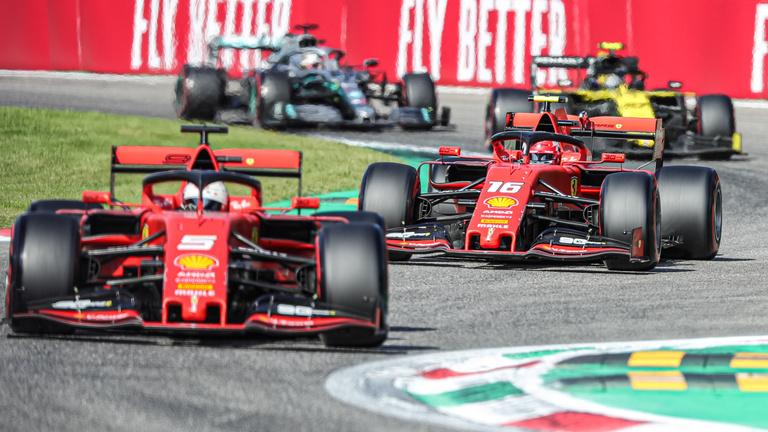 Leclerc nyerte az Olasz Nagydíjat, kilenc év után győzött otthon a Ferrari