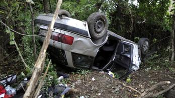 Csepelen találtak egy felborult autót, alatta feküdt egy holttest