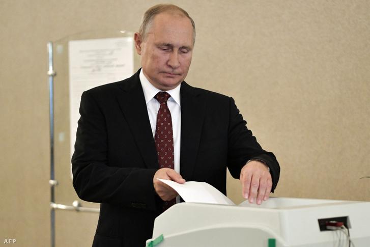Vlagyimir Putyin is szavazott Moszkvában vasárnap