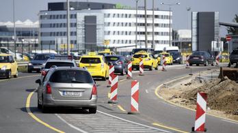 Két kamion ütközött az M1-en Budaörsnél
