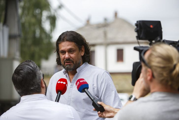 MEP Tamás Deutsch arriving at the Kötcse picnic on 7 September 2019.