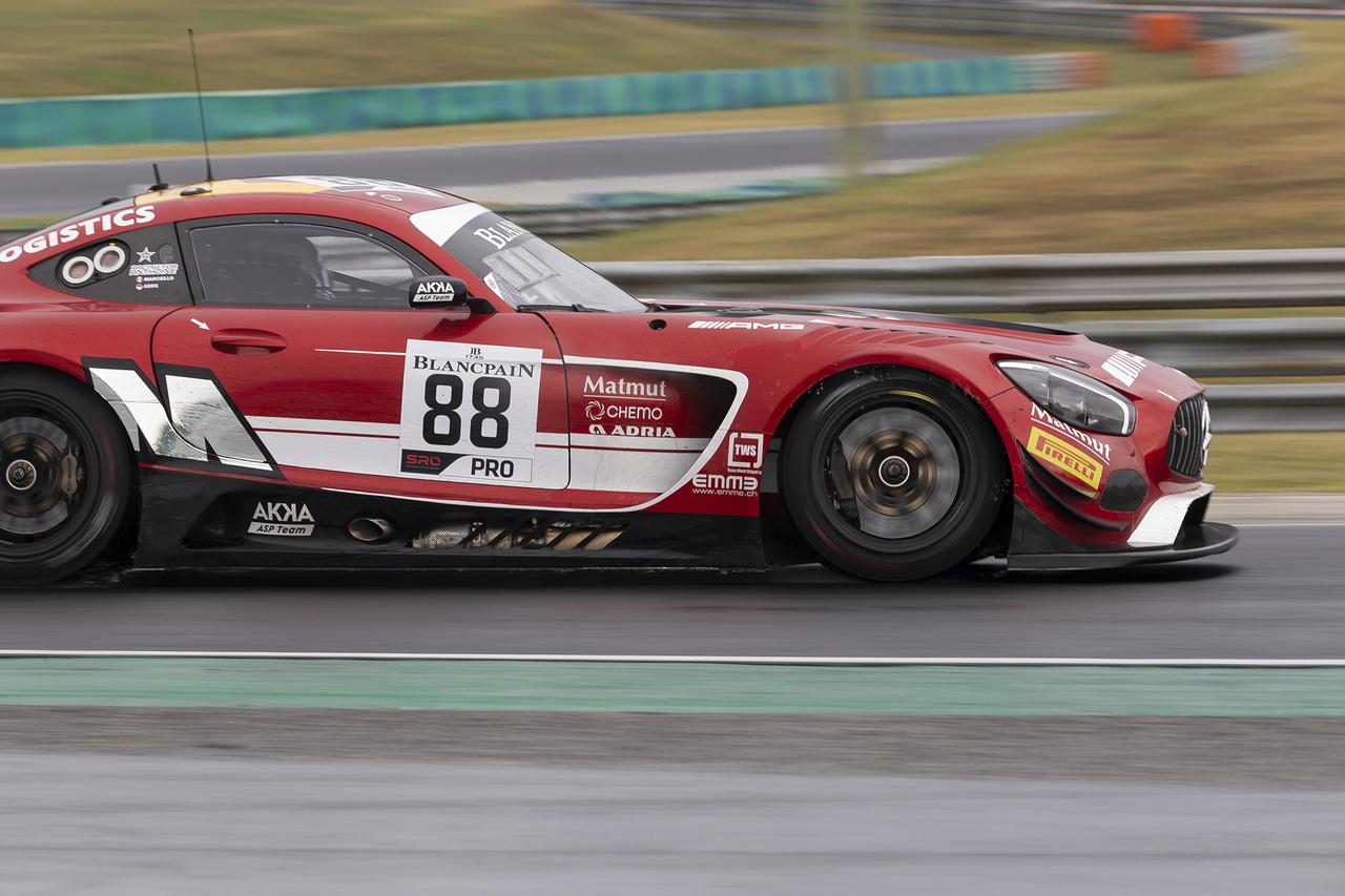 Hiába szerepeltek magabiztosan a Hungaroringen az AKKA ASP Racing Team pilótái a Mercedessel, a végső bajnoki címet már egy fordulóval a bajnokság vége előtt elhapolta a mezőny elől a Caldarelli/Mapelli kettős az Orange 1 FFF Racing Team egy Lamborghini Huracán-nal. Az AKKA jelenleg harmadikként még esélyes a csapatbajnoki címre, ezt majd Barcelonában fogják lefocizni a felek egymással.