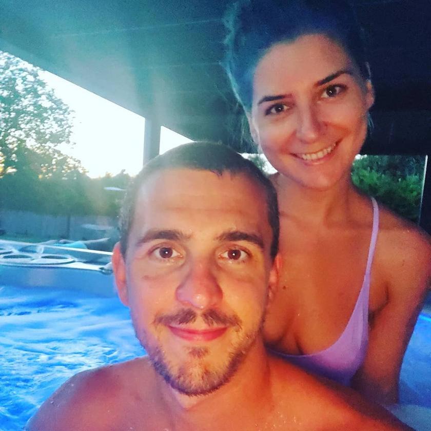 Cseh Laci együtt lazult a masszázsmedencében gyönyörű feleségével, Diánával.